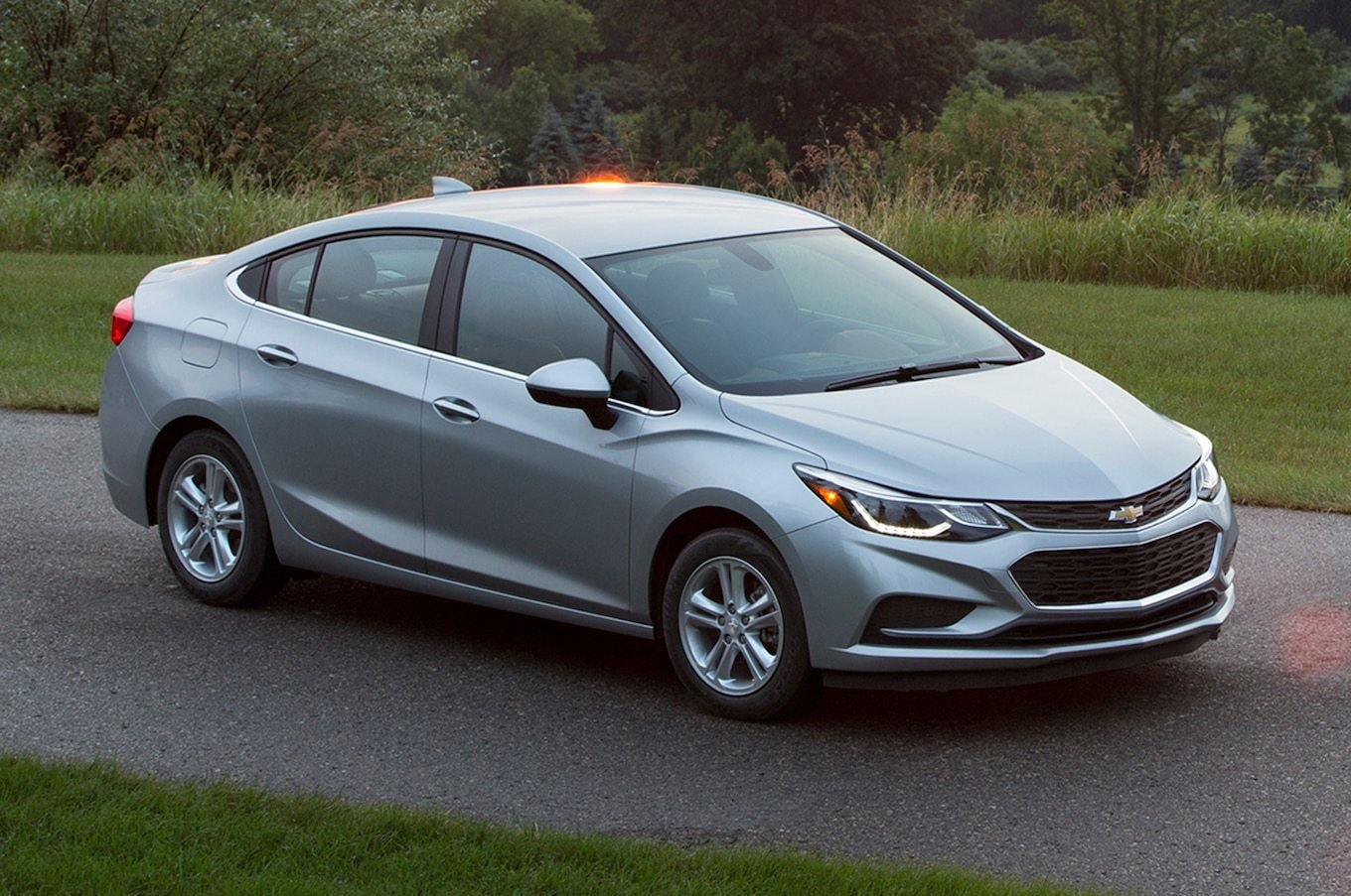 New 2018 Chevrolet Cruze Reviews And Rating Motor Trend On This Month