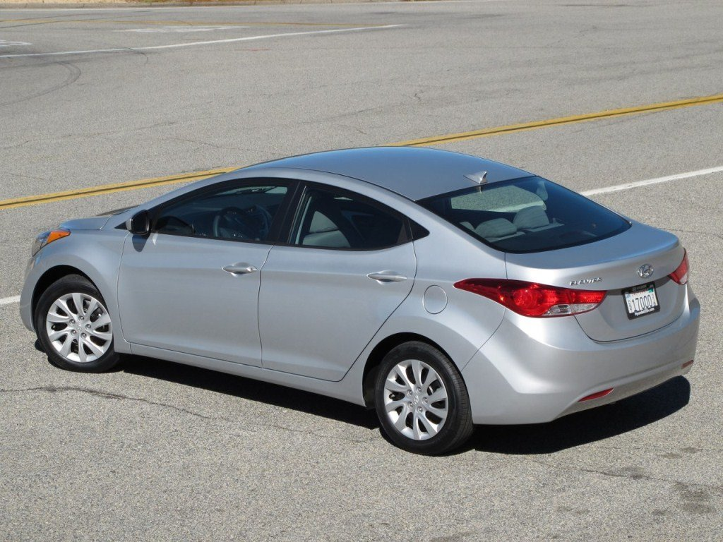 New Hyundai Elantra Hd Photos Car Hd Wallpapers Prices Review On This Month