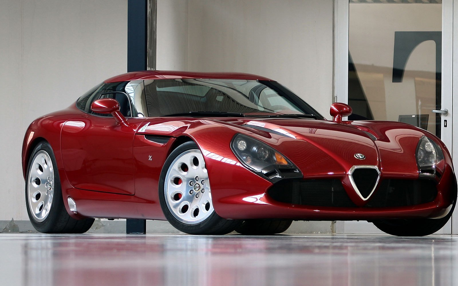 New Zagato Tz3 Stradale The First American Alfa Romeo On This Month