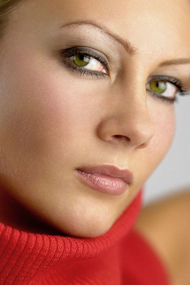 Күн сайын бесеуге арналған әдемі көз макияжы
