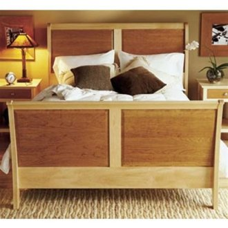 Woodworking Project Paper Plan to Build Maple   Cherry Sleigh Bed