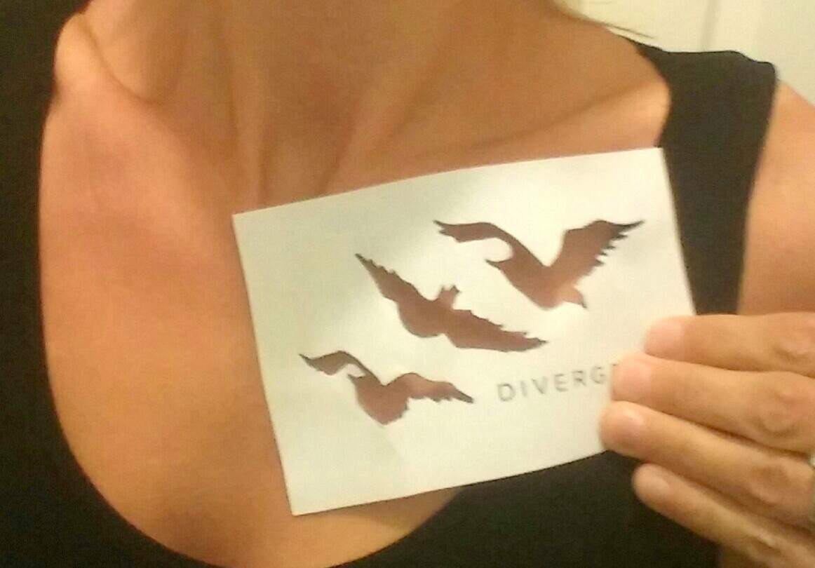 divergent bird tattoo necklace - 1024×713