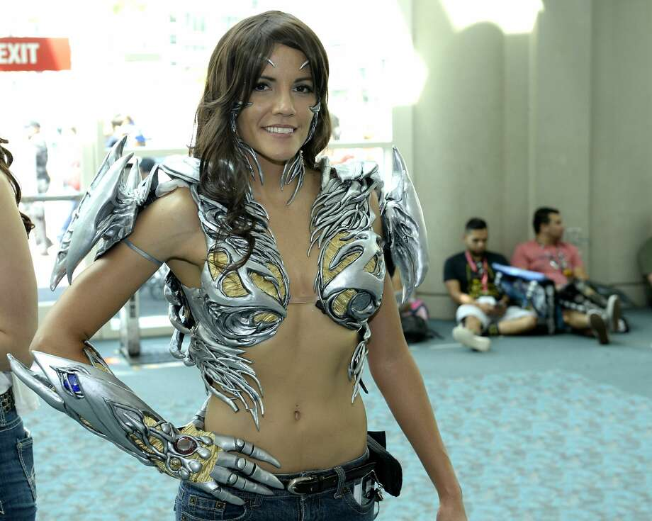 Hottest Cosplay Costumes From San Diego Comic Con 2016