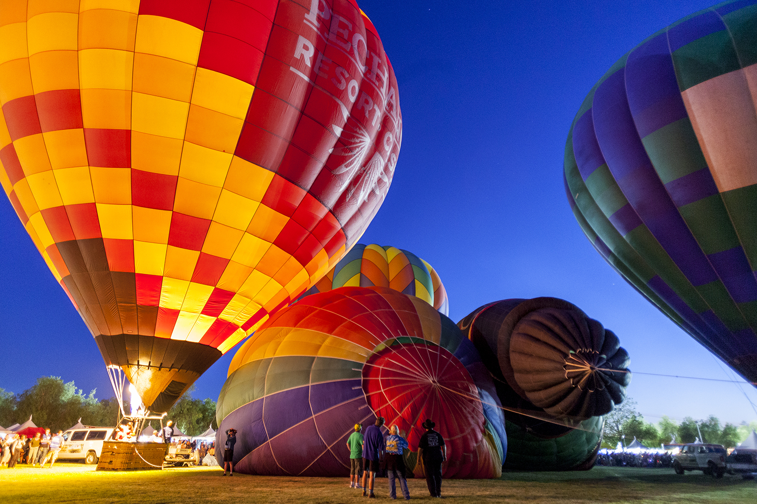 17 Wineries 30 Bands And 40 Hot Air Balloons The