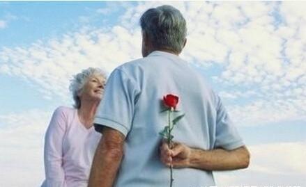 晚安心语181013:一生得此一人不易,彼此相爱到老不腻