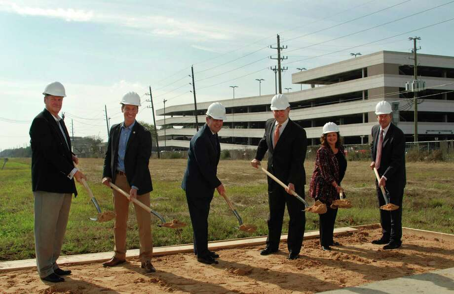 Westchase District breaks ground on third hike and bike trail in the area - Houston Chronicle