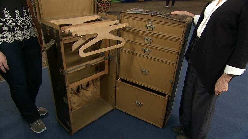 Herm 232 S Steamer Trunk Ca 1910 Antiques Roadshow Pbs