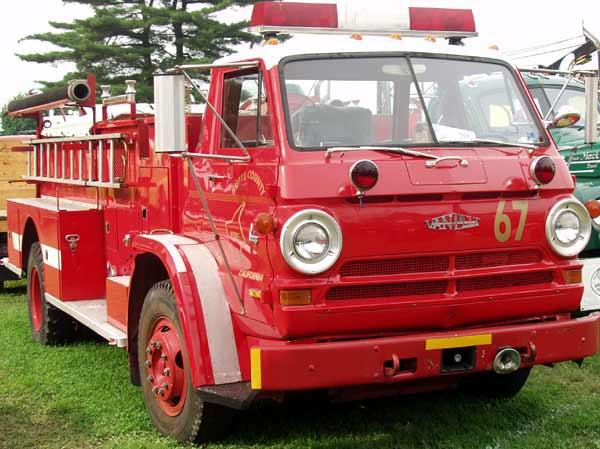 1 Mack 64 Truck Cabover