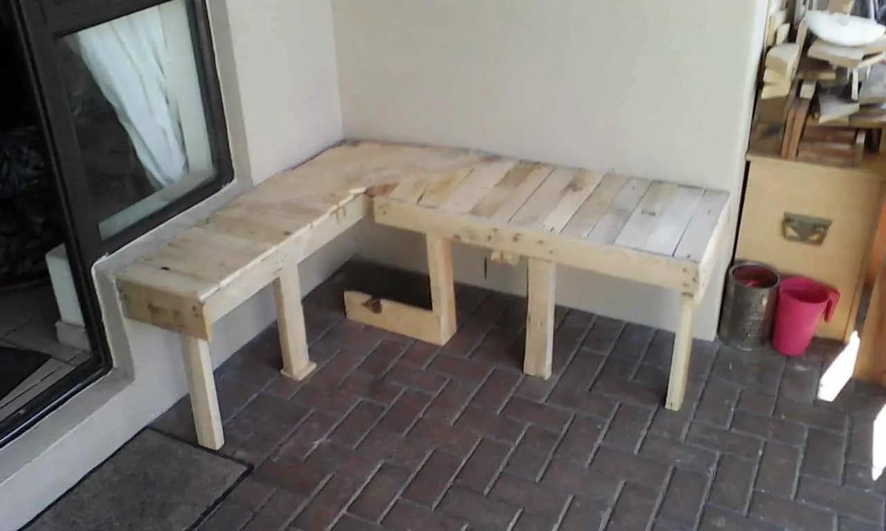 Pallet Corner Bench 1001 Pallets