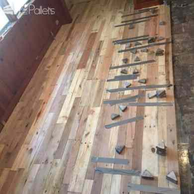 Pallet Wood Floors Two Ways     1001 Pallets 1001pallets com pallet wood reclaimed for wood floors3