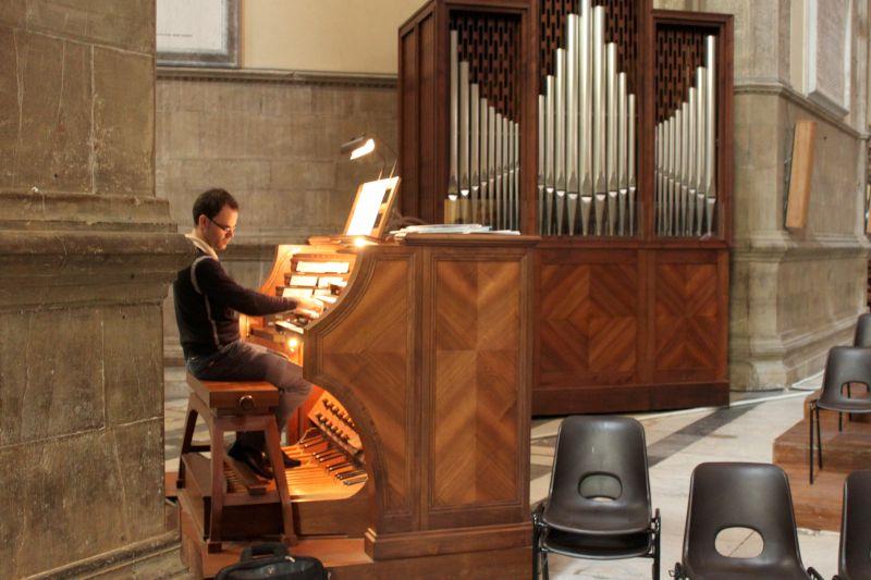 frankenstein organ music - 800×533