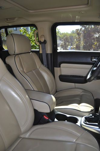Find Used 2006 Hummer H3 Rear Dvd Players Plus 3rd Row Seat In Cargo Area In Thompsons