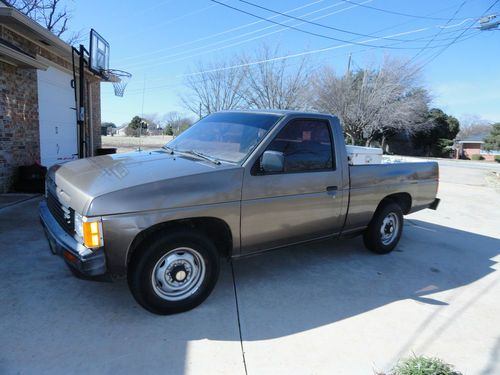 Buy Used 1986 Nissan 720 Sport Truck King Cab Pickup 2
