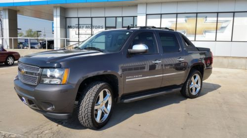 Sell Used 2010 Chevy Avalanche Ltz Crewcab Sunroof Nav