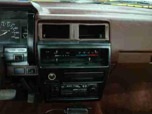 Wheel Xe Drive 2 1995 Pick Nissan