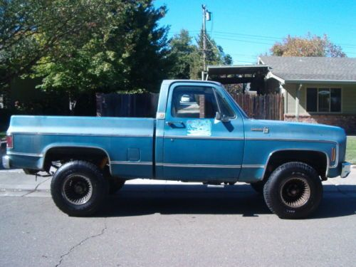 1979 Chevy 4x4 2 Tone Paint
