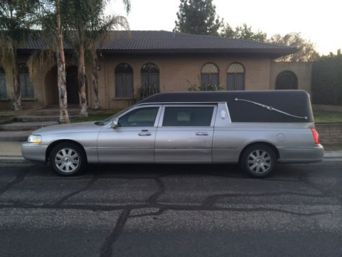 Buy Used 2003 Lincoln Town Car Executive Limousine 4 Door