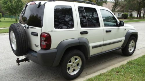 Find Used 2005 Jeep Liberty Crd Diesel Sport Utility 4x4 4 Door 2 8l In New Port Richey Florida