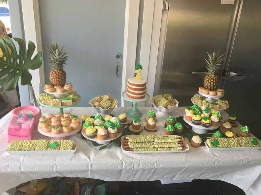 Gold Cake Pineapple
