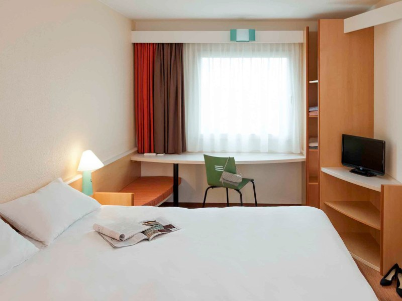Hotel ibis Berlin City Potsdamer Platz  Book your hotel now      Rooms   ibis Berlin City Potsdamer Platz