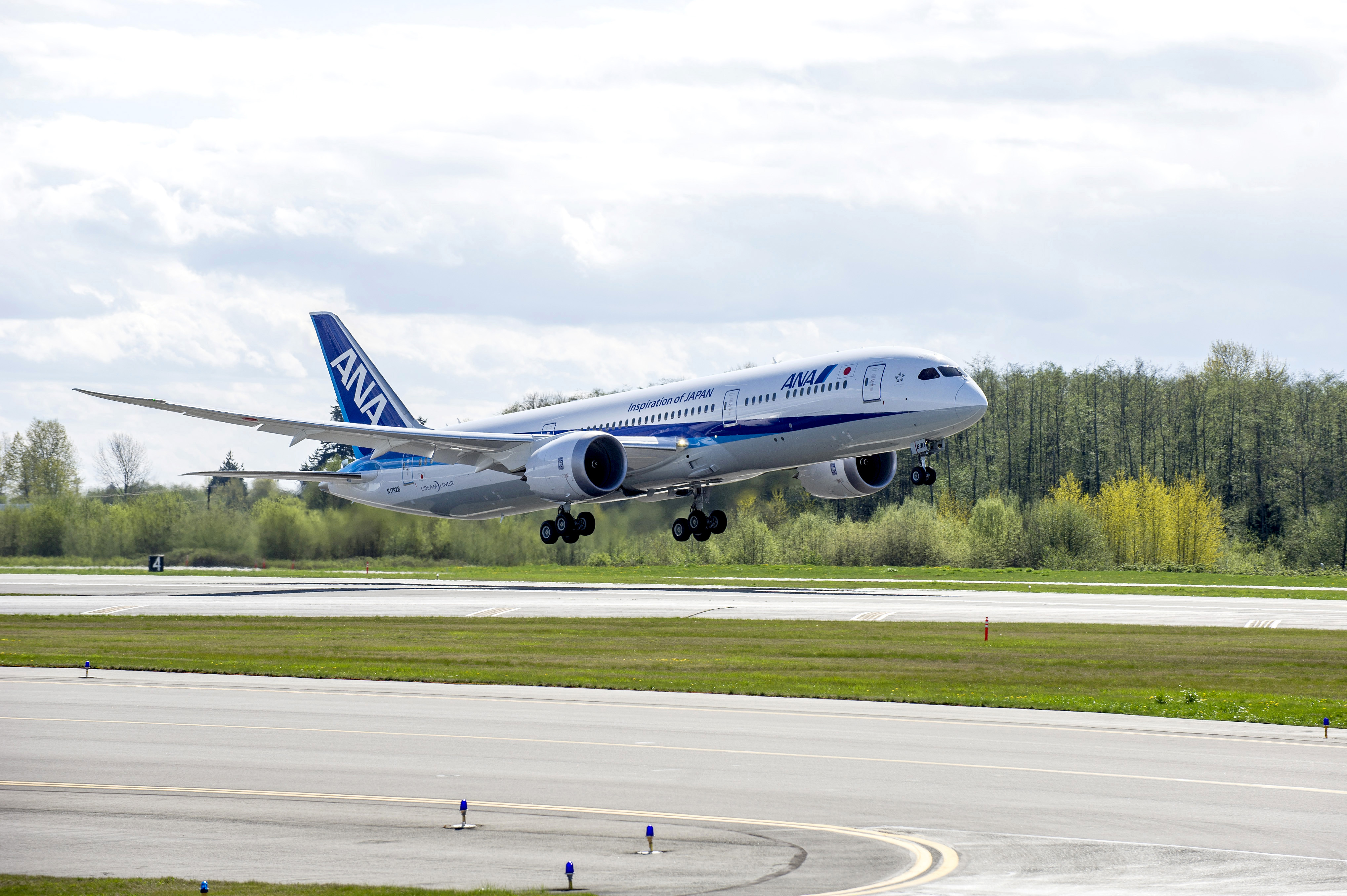 All Nippon Airways Begins Revenue Flights with the Boeing ...