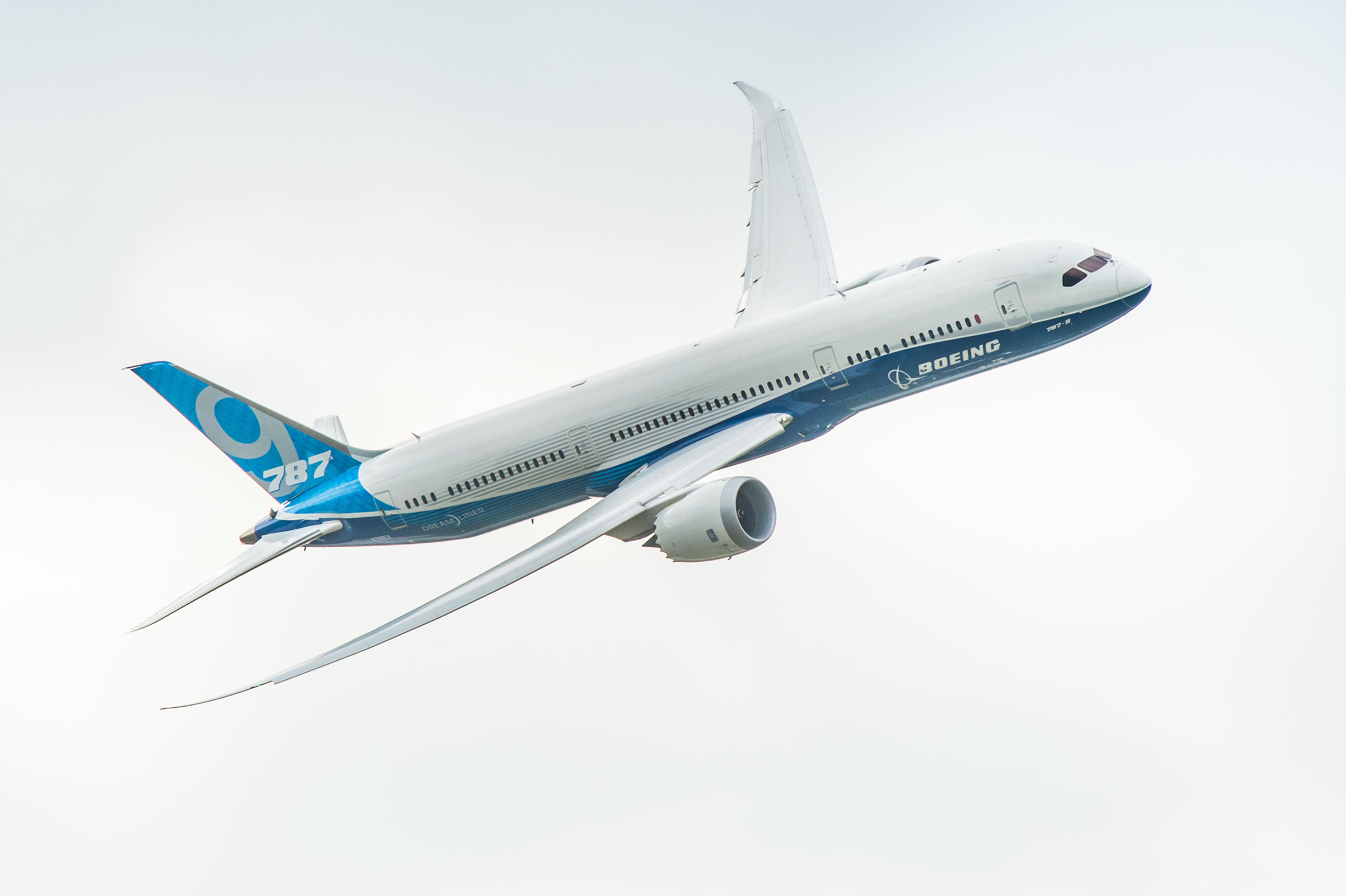 Photos + Video: Boeing 787-9 Dreamliner Flying at ...