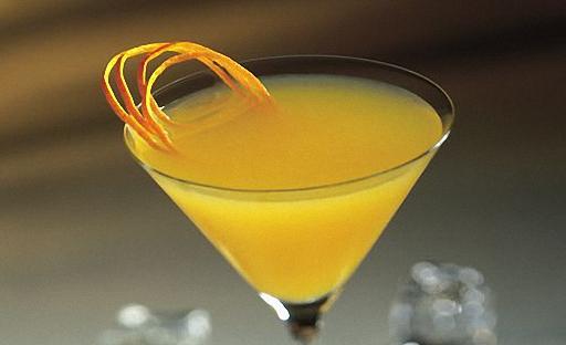 Мартини коктейлі және апельсин шырыны