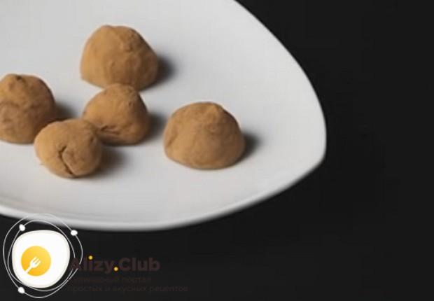 """Приготовьте вкуснейшие трюфели из детской смеси """"Малютка"""" по нашему рецепту с фото!"""