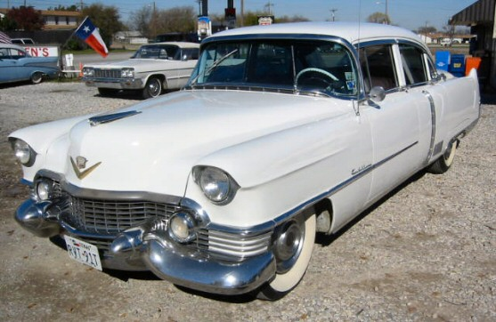 1954 Cadillac Fleetwood 4 Dr Sedan