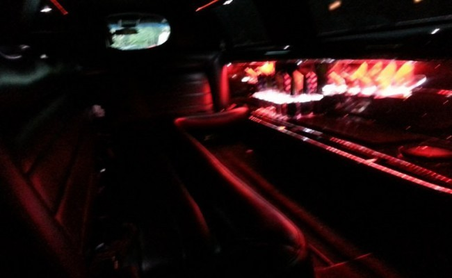 Lincoln-Stretch-Limousine-2009-White-10-passengers-7