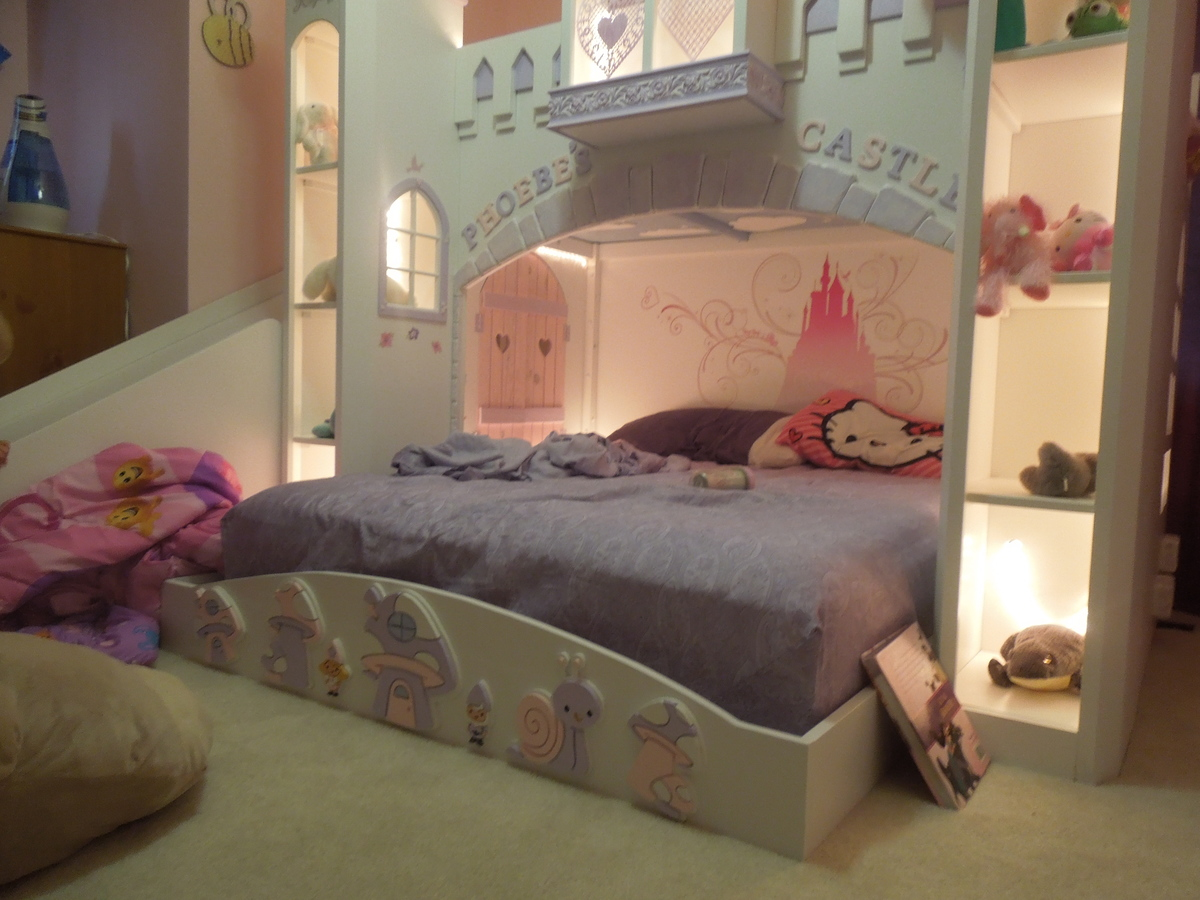 Ana White Phoebe S Castle Bed Diy Projects