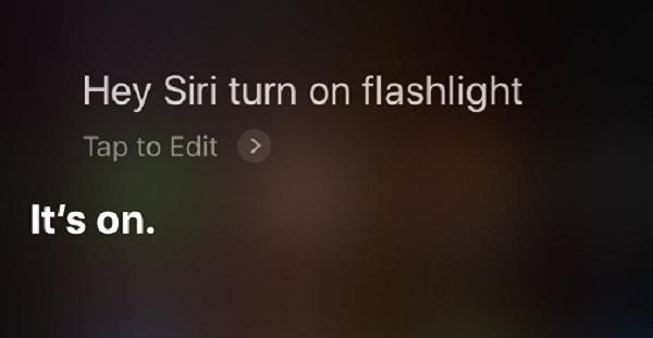 Demander à Siri inclure la lampe de poche
