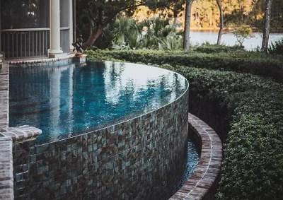 Kiawah Island pool with infinity edge | Aqua Blue Pools