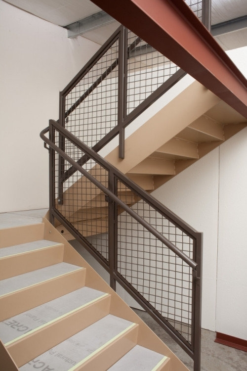 Building Product 500 Series Wire Mesh Rail 102Aed0 Arcat | Wood And Wire Stair Railing | Before And After | Coastal | Natural Wood | Residential | Utility Panel