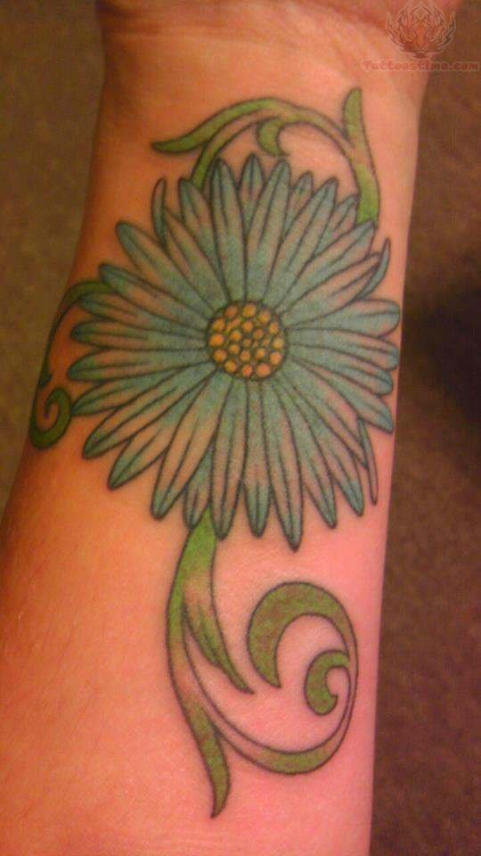 41 Cool Daisy Tattoos On Wrist