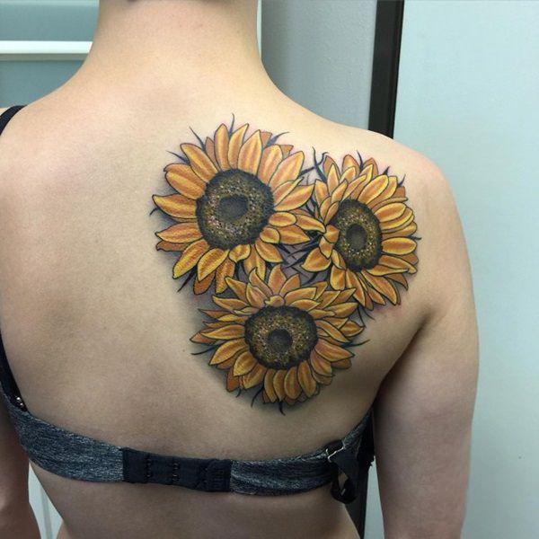 25+ Beautiful Realistic Sunflower Tattoos