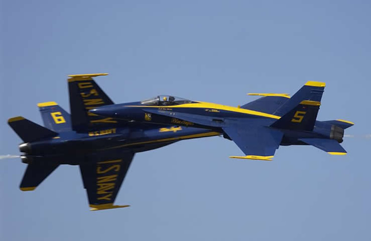 The Us Navy Blue Angels Angles Aircraft Aerobatic F 18