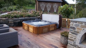 11 Awesome Outdoor Hot Tubs Ideas For Your Relaxation