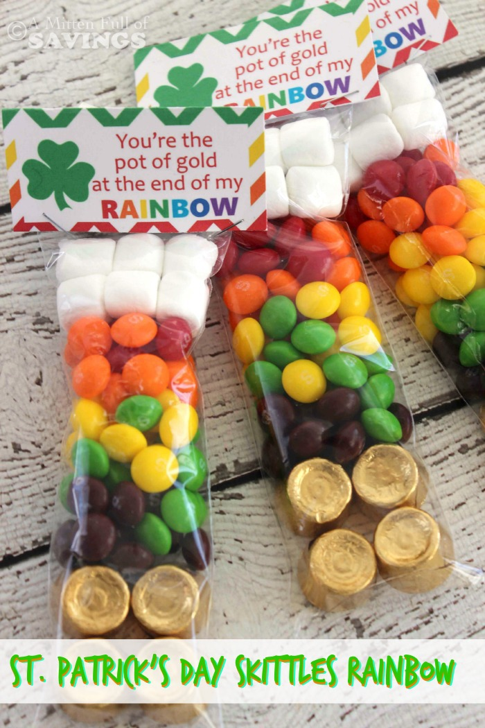 Put together a fun St. Patrick's Day treats that's all about skittles! Here's how you can put together a St. Patrick's Day Skittles Rainbow in a bag treat!