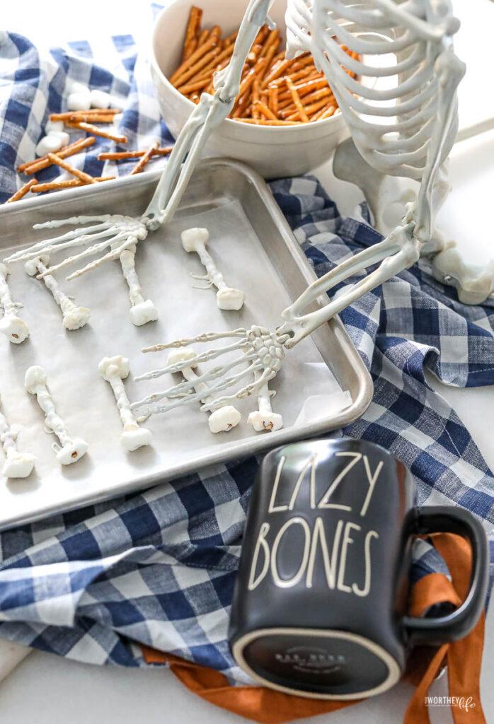 Easy Halloween Treat: Pretzel Bones