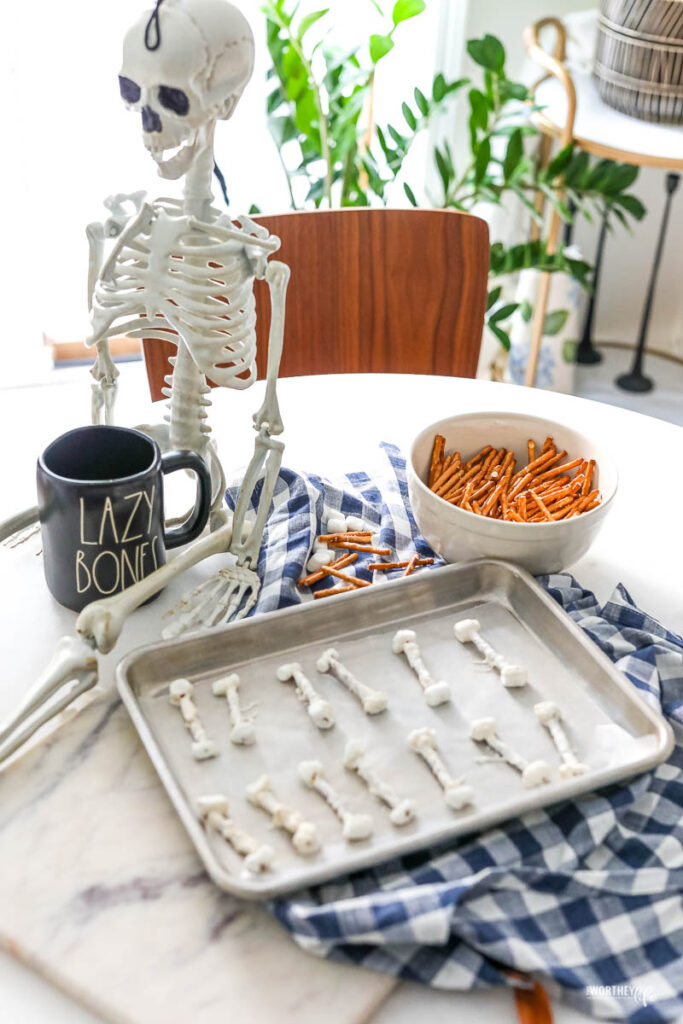 how to make pretzel bones for Halloween
