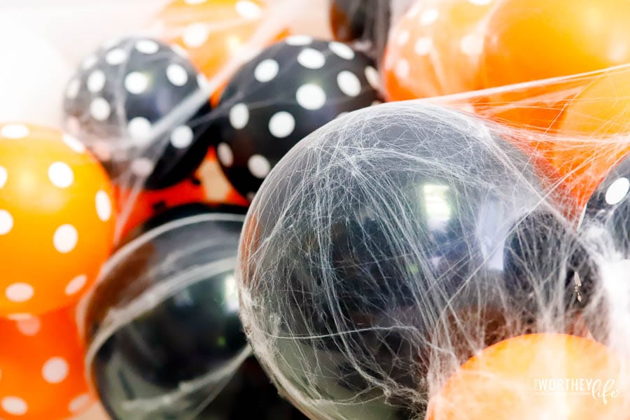How to make a Halloween Balloon arch