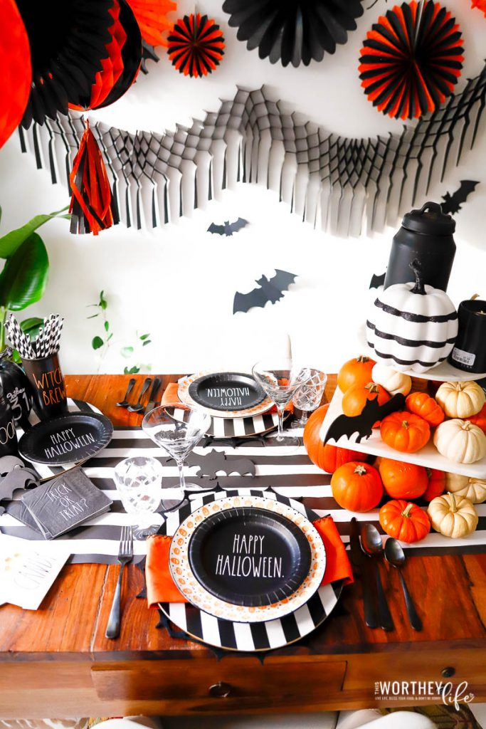Black and white party ideas for Halloween