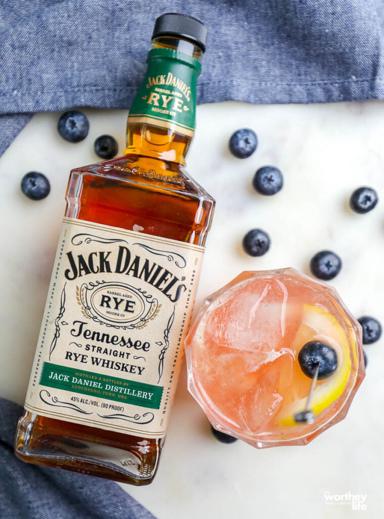 cocktail using whiskey