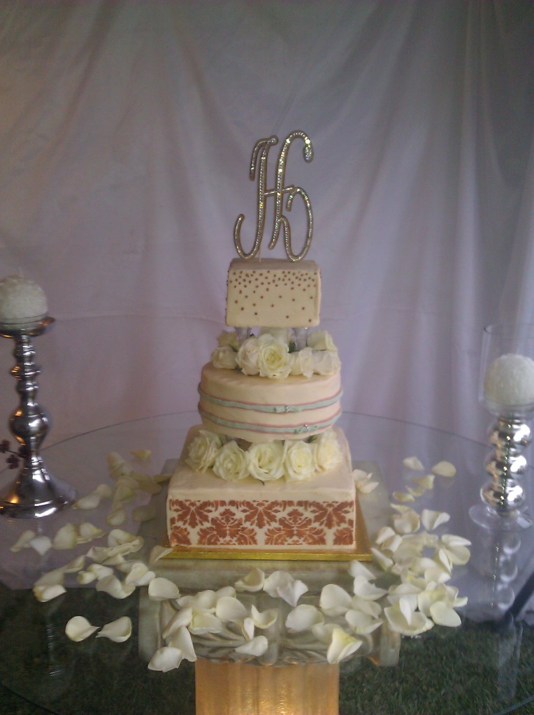 Specialty Wedding Cake Gallery 1   AZCAKEDIVA Custom One of a Kind     Specialty Wedding Cake Gallery 1   AZCAKEDIVA Custom One of a Kind Wedding  Cakes Phoenix  Scottsdale  Glendale  Gilbert  Queen Creek  Chandler  Mesa