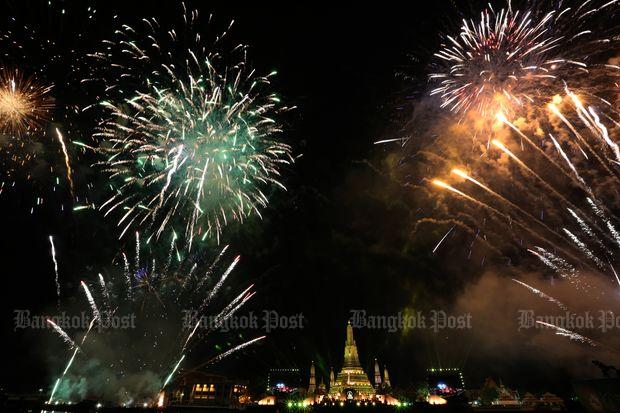 Fireworks allowed for New Year celebrations   Bangkok Post  news Fireworks set off a flurry of lights and colours at Wat Arun Ratchawararam   or the Temple of the Dawn  in Bangkok to celebrate the new year on Jan 1   2016