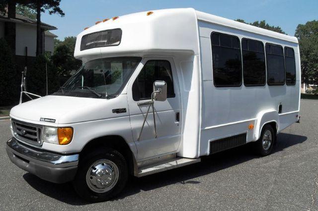 2003 Ford E 450 Wichita Transit