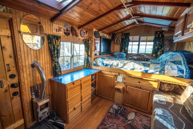 27 Awesome Truck Homes Barnorama