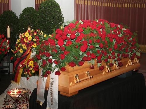 Beerdigungsinstitut Gonther Trauerfloristik Sargschmuck