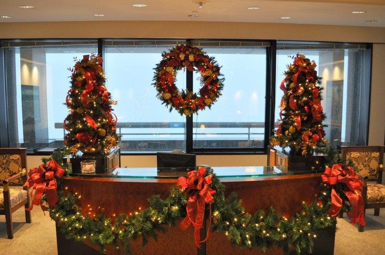 Medical Office Christmas Decorating Ideas
